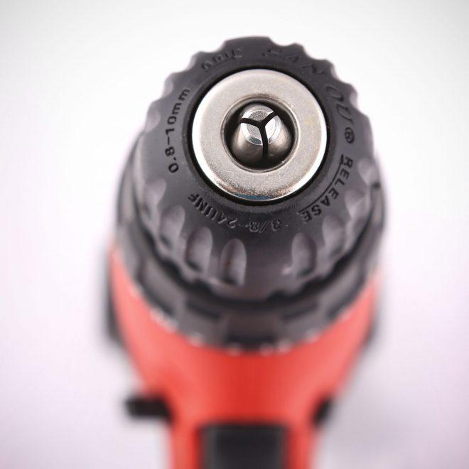همکاری در فروش ابزار 118 پیچ گوشتی برقی دنلکس4