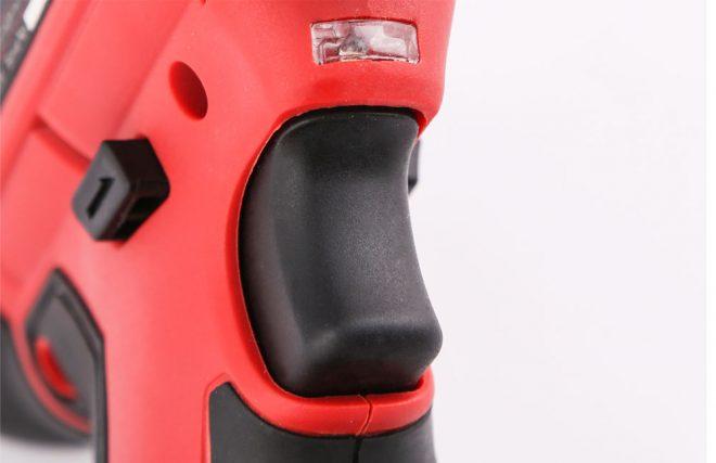 همکاری در فروش ابزار 118 پیچ گوشتی شارژی دنلکس3