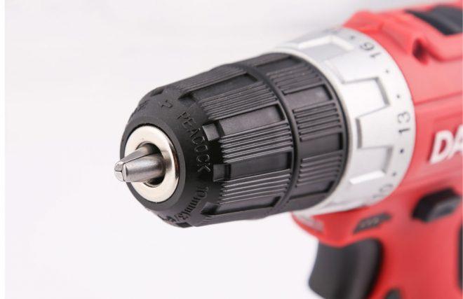 همکاری در فروش ابزار 118 پیچ گوشتی شارژی دنلکس4