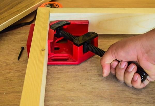 همکاری در فروش ابزار 118 گیره گونیا مدریت 3